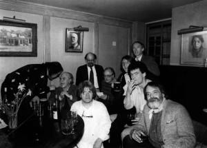 Un foto d'epoca di Martin Matz con altri poeti beat ed amici.