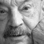 MADRID.El poeta José Hierro,una de las voces más representativas de la poesía social de posguerra,durante la entrevista concedida a la Agencia Efe en su domicilio de Madrid,con motivo de la celebración de su 80 cumpleaños el próximo miércoles día 3 de abril.EFE/J.M.Espinosa